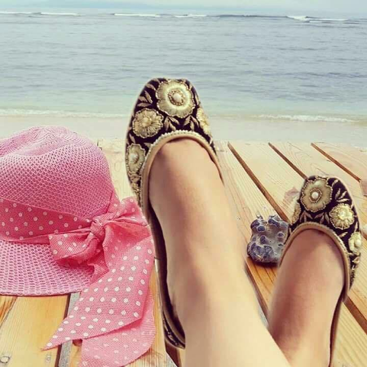 BEACH WEAR JUTTIS